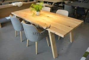 design-tafel-eiken-past-in-ieder-interieur-door-zijn-eenvoud-is-de-strakke-eiken-tafel-in-ieder-huis-op-zijn-plaats-voor-u-op-maat-gemaakt