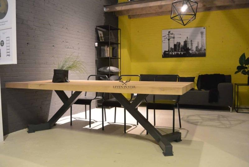 Strakke gewaagde tafel