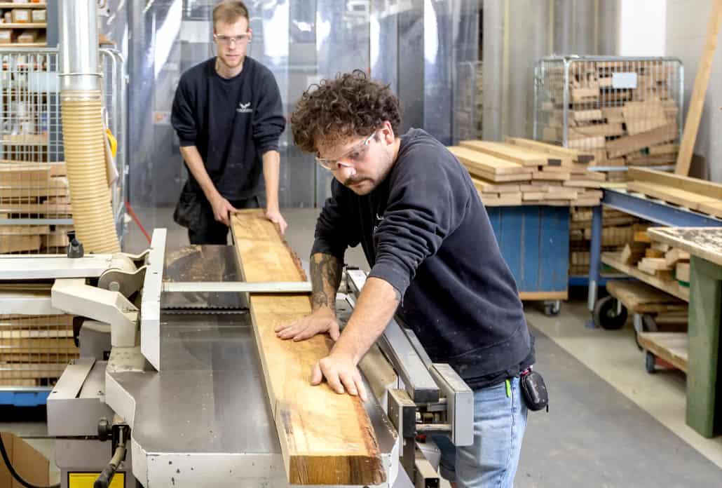 De meubelmakerij van Leven in Stijl in Alkmaar heeft een grote showroom met vele voorbeelden, in de werkplaats maken onze meubelmakers de meest uiteenlopende