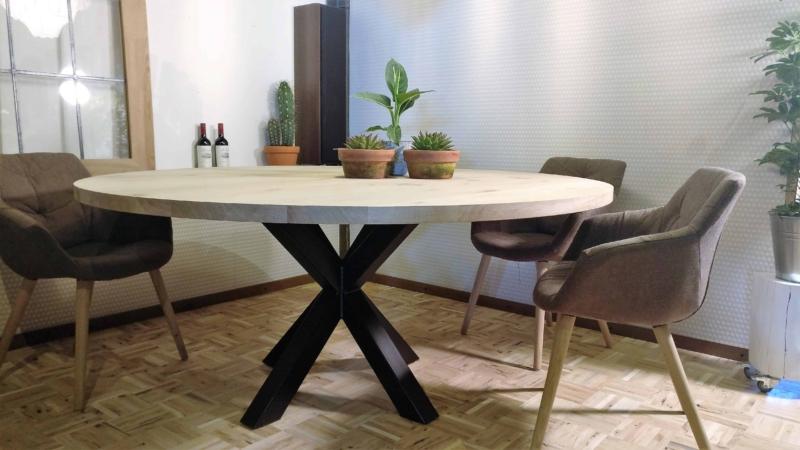 Ronde tafel op maat gemaakt