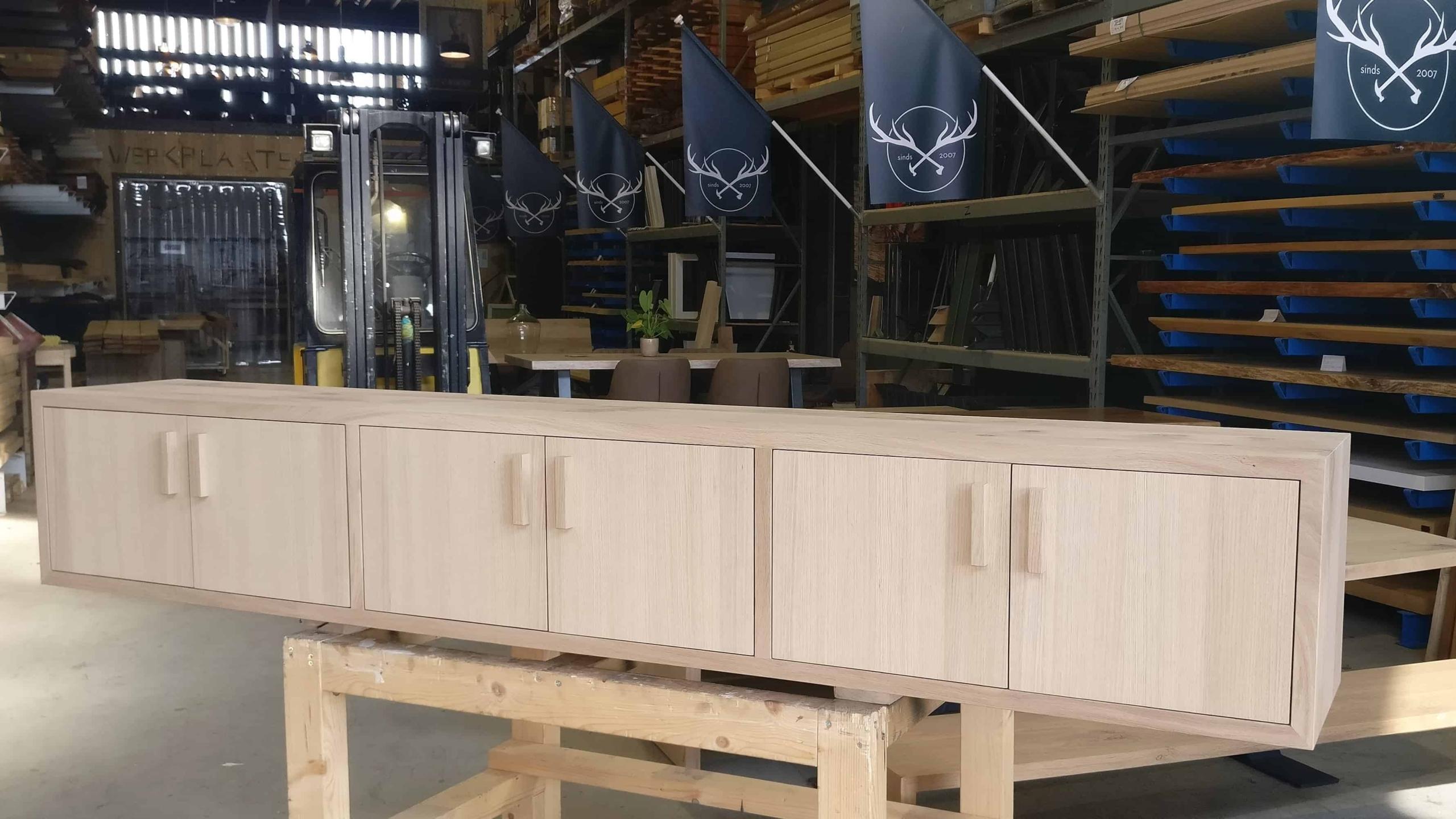 Eikenhout TV meubel op maat gemaakt