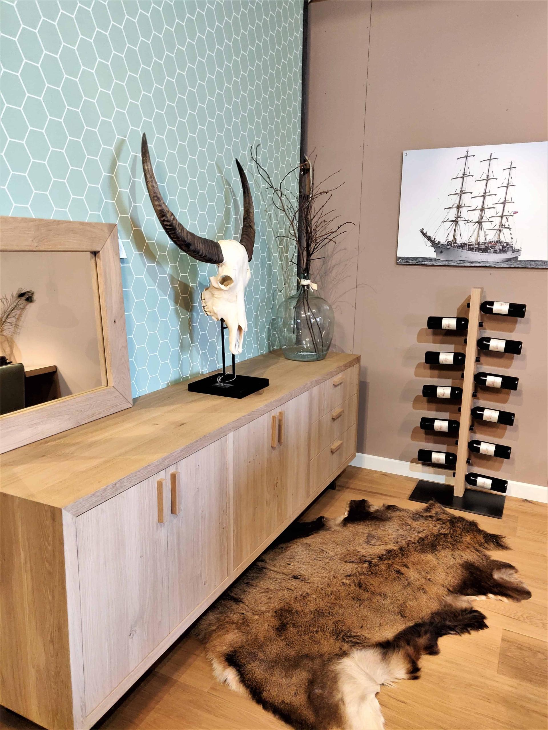 Groot TV meubel van eikenhout