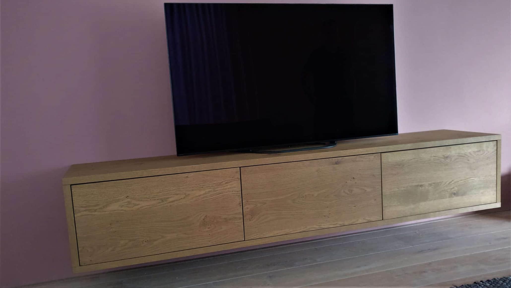 TV Cabinet, hangend