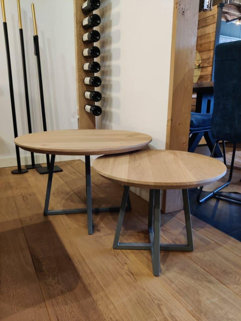 Kleine tafel met X poot
