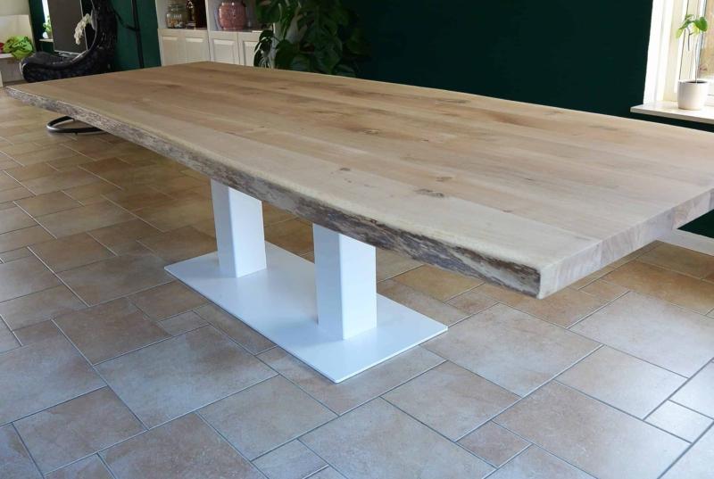 Stoere tafel voor woon- eet of werkkamer