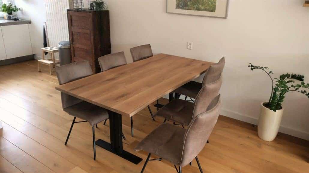 Rechthoekige tafel met I-poot