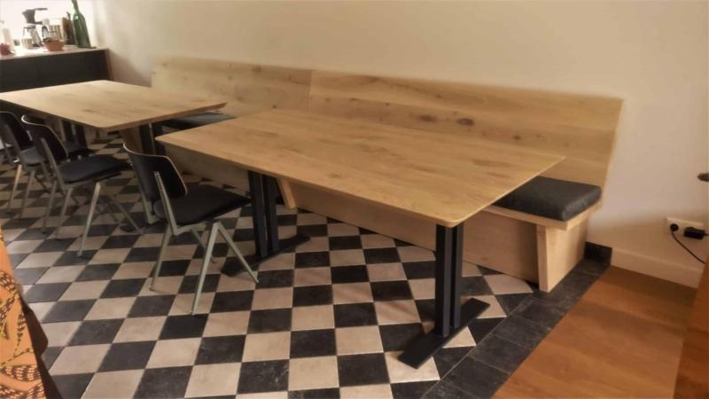 Restaurant tafel met verticale poten