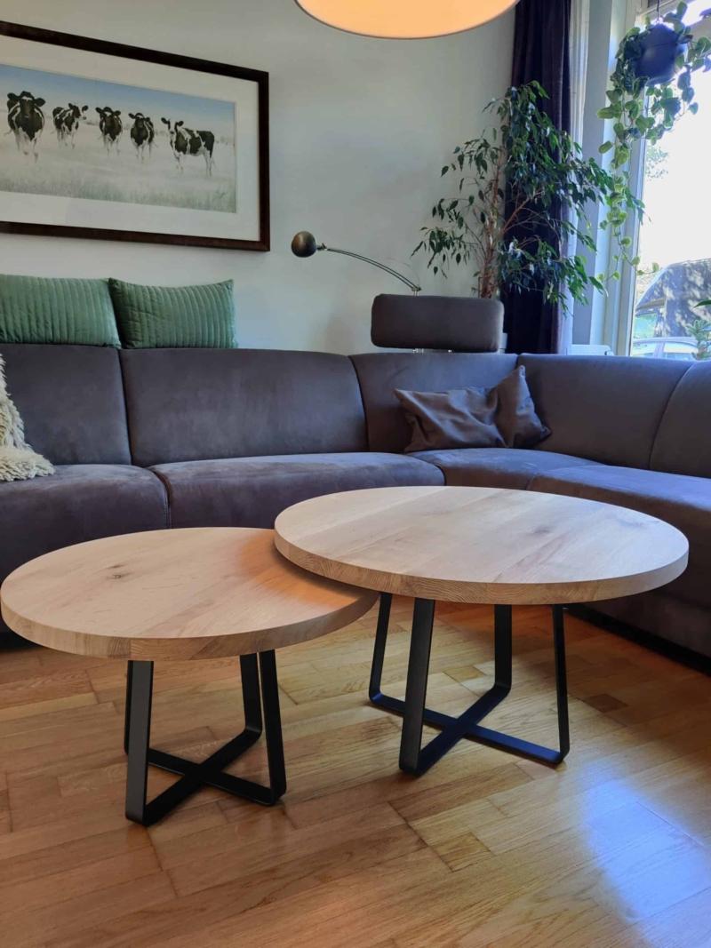 Salon tafel met onderliggend kruispoot