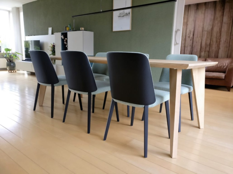 Eiken eettafel Scandinavisch design