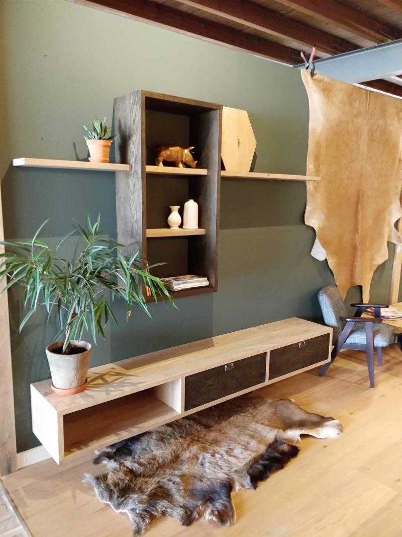 Op maat gemaakte TV-meubel van hout