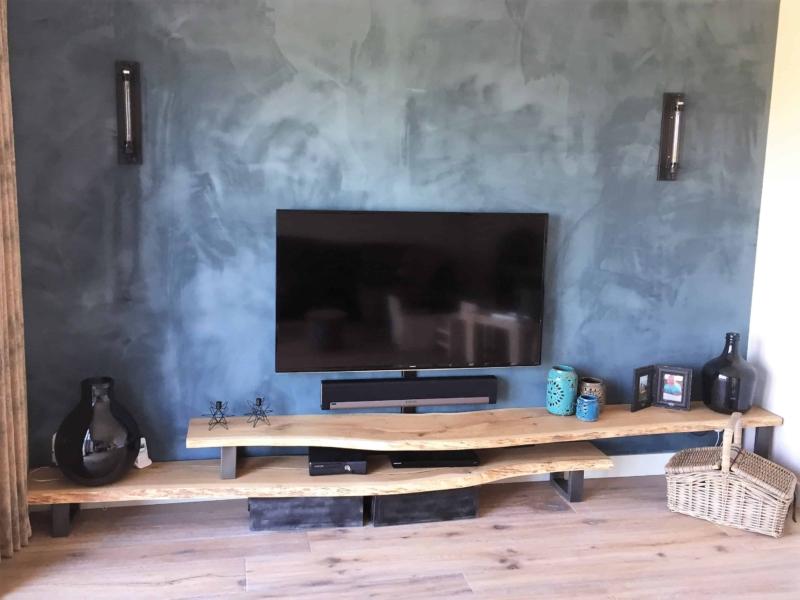 Prachtige eikenhouten boomstam TV meubel