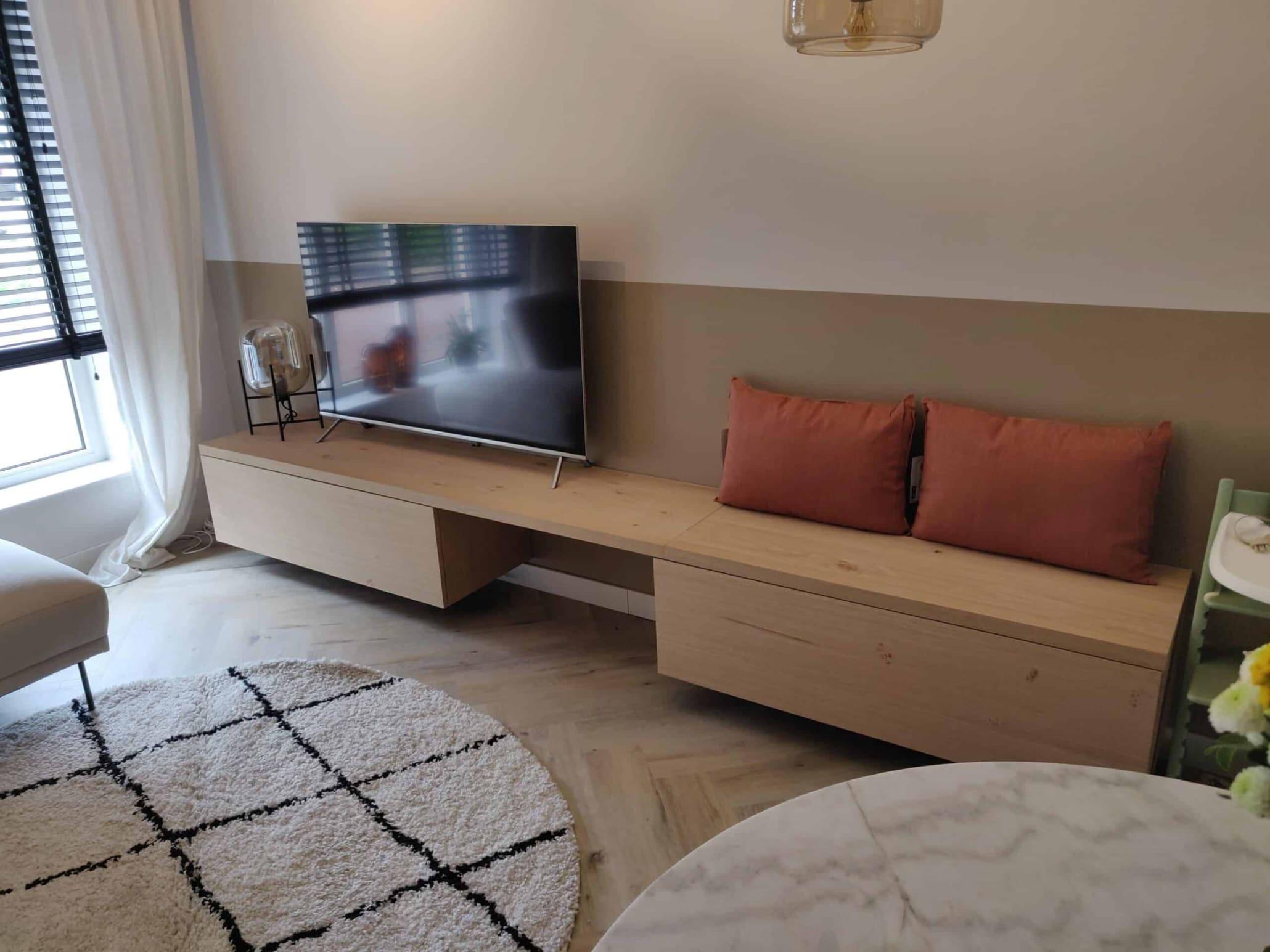 TV meubel met bank en zitplek ineens op maat gemaakt en extra zwaar uitgevoerd