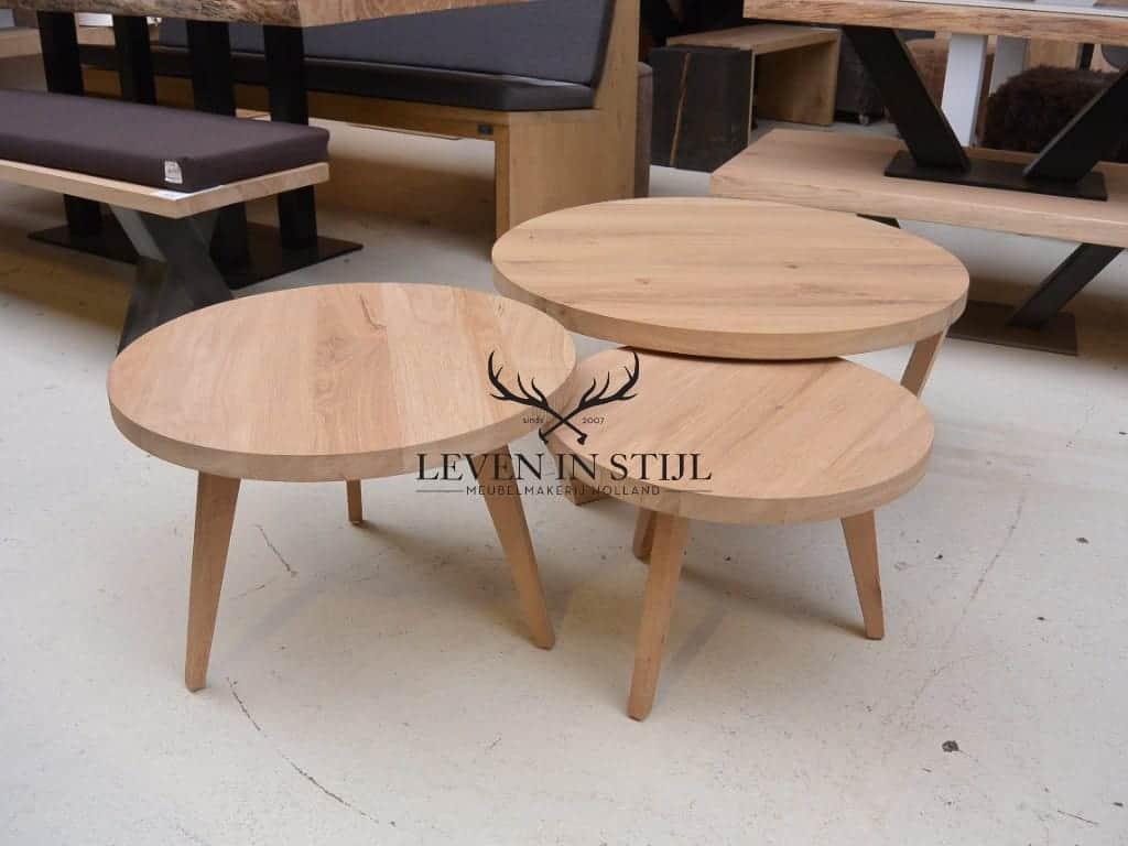 speciaal-voor-u-gemaakt-zijn-onze-ronde-salontafel-met-tapstoe-lopende-poten-van-eikenhout