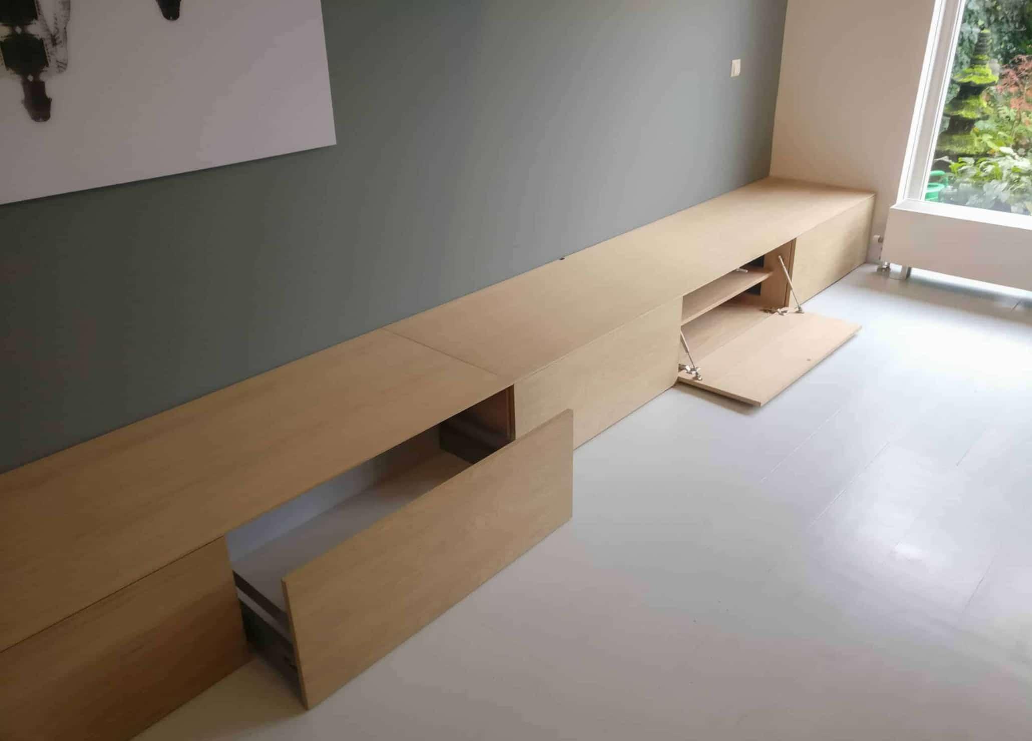 Eikenhouten meubel